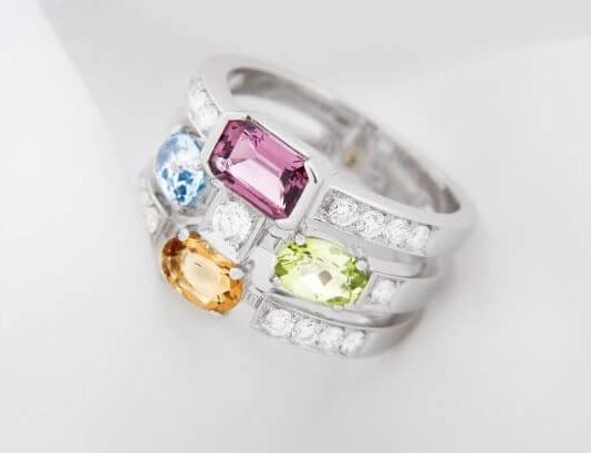 A Guide To Engagement Ring Gemstones